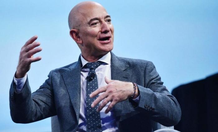 Najbogatiji čovek na svetu prodao akcije vredne 3,1 milijardu dolara