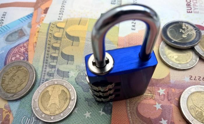 Broj blokiranih računa firmi u BiH dostigao skoro 100.000